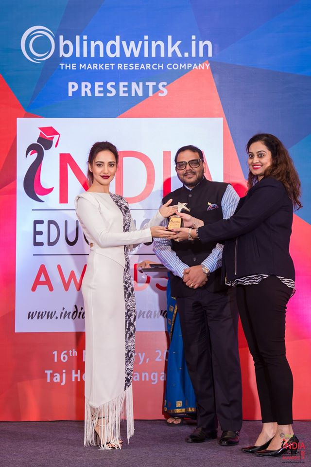 Best Fashion and Interior Design Institute in India best fashion and interior design institute in india - Best Fashion and Interior Design Institute in India 3 - Best Fashion and Interior Design Institute in India – Award Received