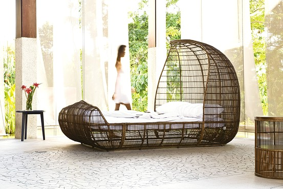 Hemp Bed by Kenneth Cobonpue going green in interiors - Hemp Bed by Kenneth Cobonpue - Going Green in Interiors – JD Institute