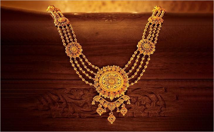 Aadh and Rani haar created by Tanishq for the movie - Padmavati padmavati jewellery - gems of rajasthan - rani haar - Padmavati Jewellery – Gems of Rajasthan – Samanvita Gnanesh