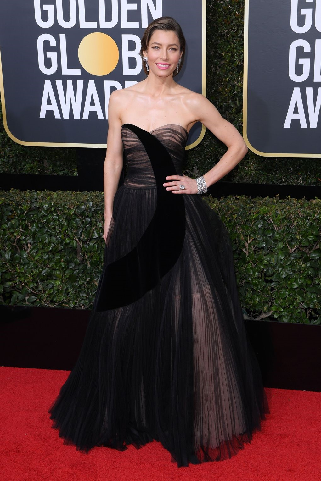 Jessica Biel looked stunning in a Christian Dior gown showing her support for times up movement. golden globes 2018 - 4 - JD's top 13 red carpet looks of Golden Globes 2018