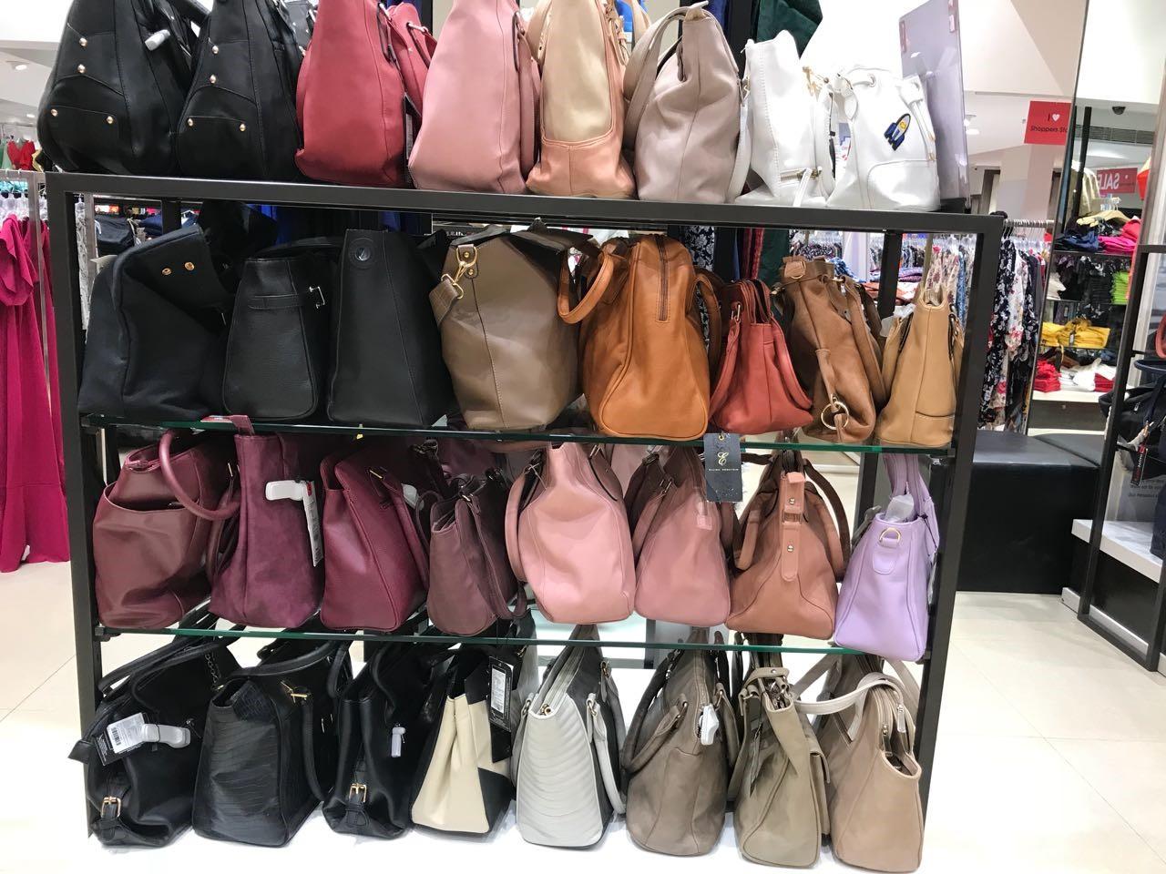 bag section internship journey of a jediiian at shoppers stop - bag section1 - Internship Journey of a JEDIIIAN at Shoppers Stop