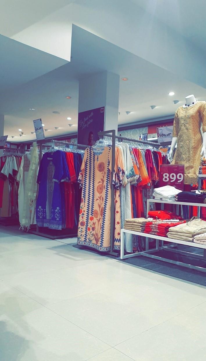 floor look internship journey of a jediiian at shoppers stop - floor look - Internship Journey of a JEDIIIAN at Shoppers Stop