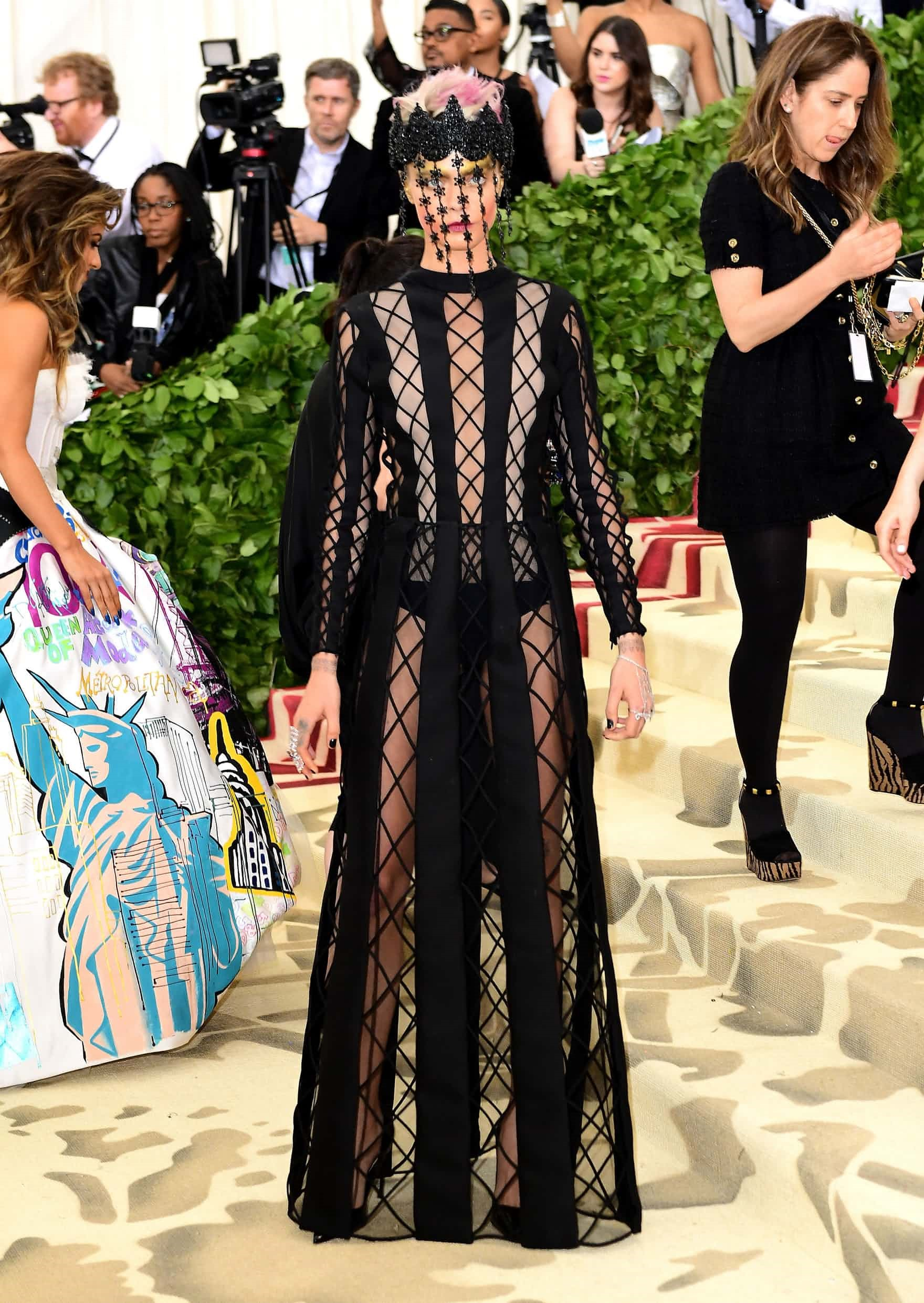 In the name of Fashion met gala - dior coutuee - In the name of Fashion, Amen – Heavenly Bodies and Catholic Imagination – Met Gala Review