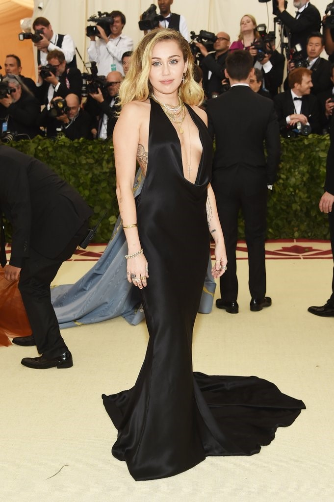 In the name of Fashion met gala - met gala - In the name of Fashion, Amen – Heavenly Bodies and Catholic Imagination – Met Gala Review