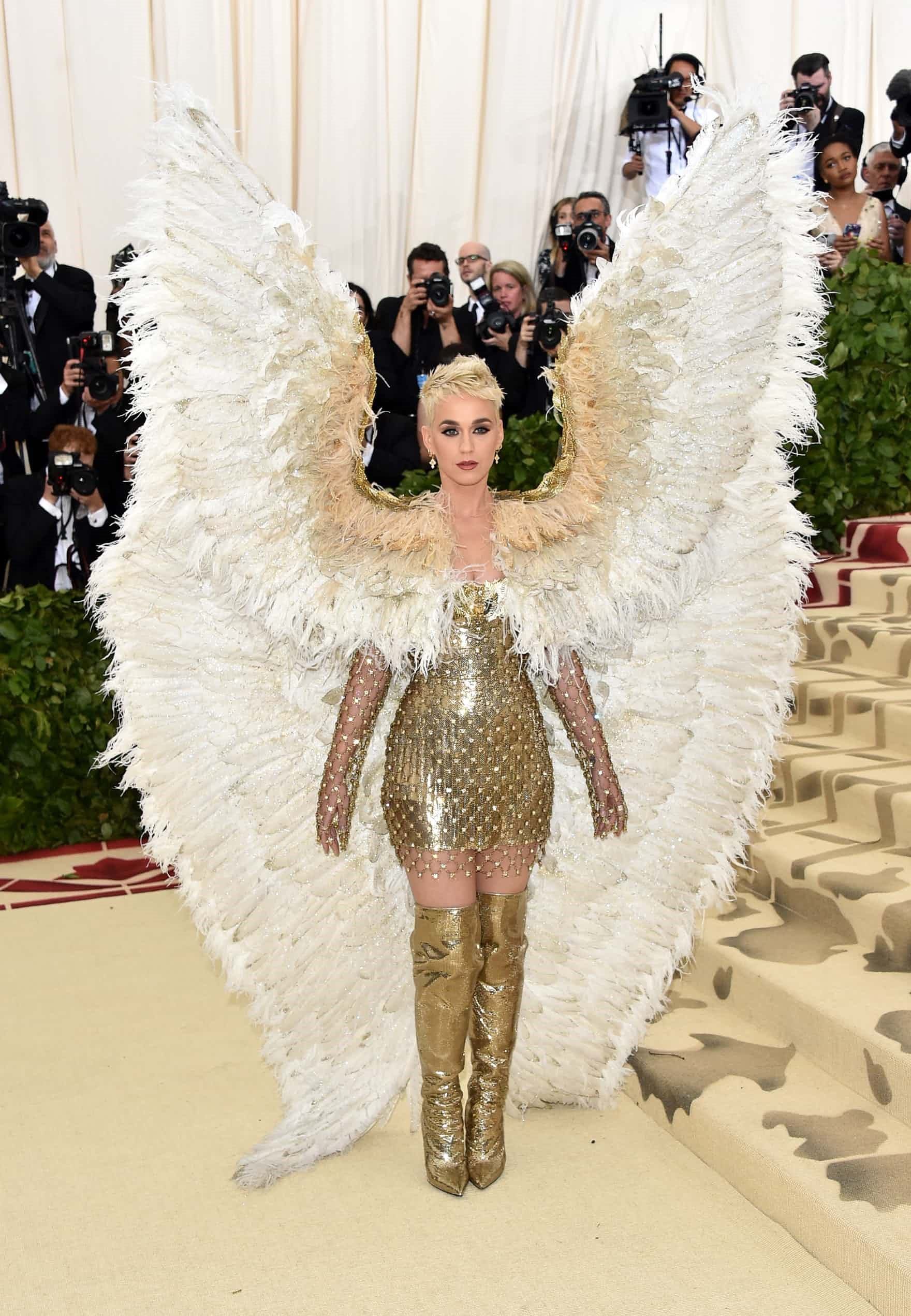 In the name of Fashion met gala - versace - In the name of Fashion, Amen – Heavenly Bodies and Catholic Imagination – Met Gala Review