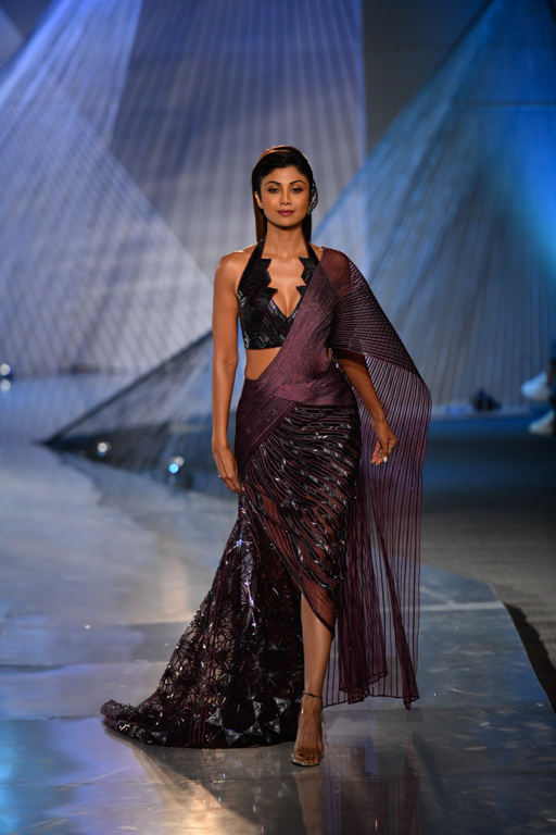 INDIA COUTURE WEEK 2018 | A Glamorous event on the FDCI Calendar india couture week 2018 - Picture1 9 - INDIA COUTURE WEEK 2018 | A Glamorous event on the FDCI Calendar