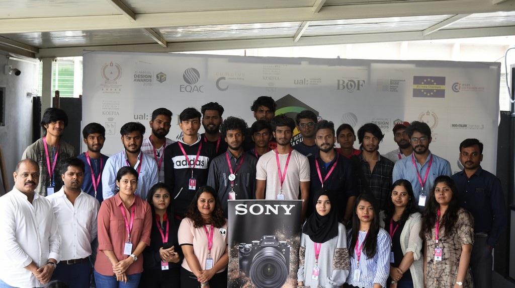 photography students learning about new inventions - Sony Workshop at JD Institute 3 - Photography students learning about new inventions | Sony Workshop at JD Institute