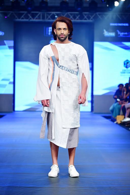 Jediiians shinning at India Beach Fashion Week jediiians shinning at india beach fashion week - Jediiians at India Beach Fashion Week 7 - Jediiians shinning at India Beach Fashion Week