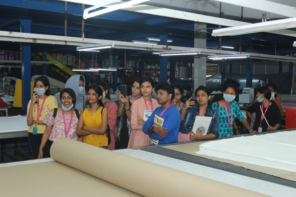 SKL Exports – Industry Visit by JD Institute of Fashion Technology skl exports - students 2 - SKL Exports – Industry Visit  by JD Institute of Fashion Technology, Cochin