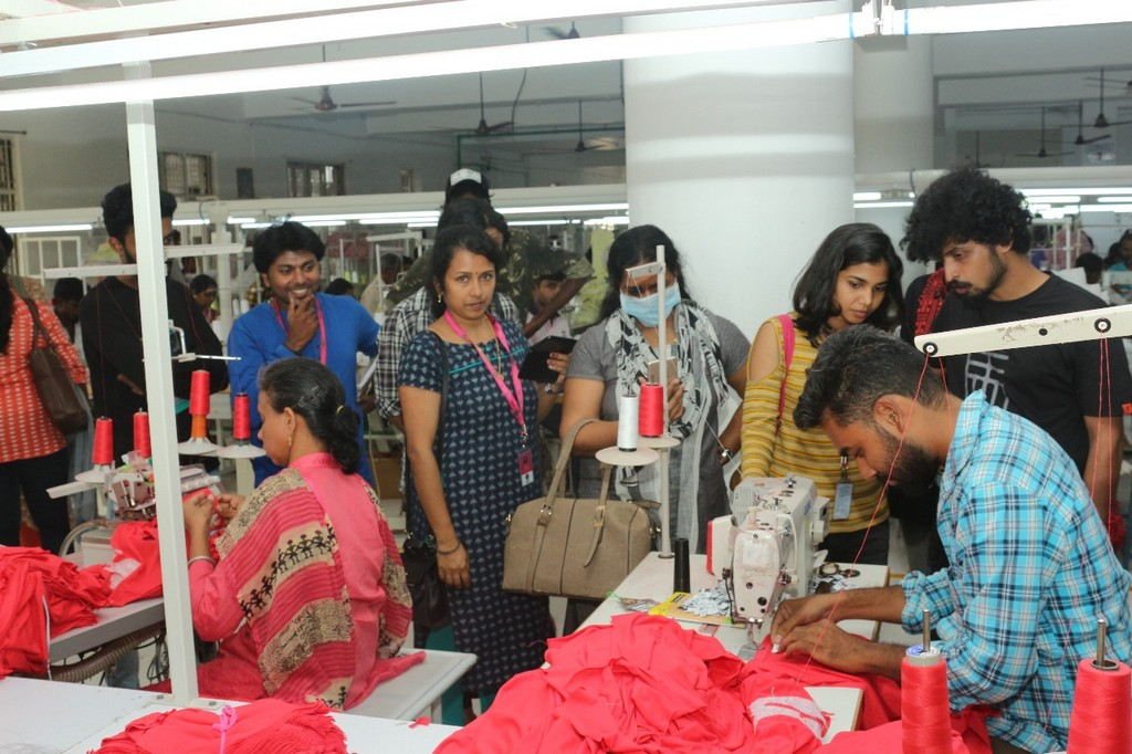 SKL Exports – Industry Visit by JD Institute of Fashion Technology skl exports - students 3 - SKL Exports – Industry Visit  by JD Institute of Fashion Technology, Cochin