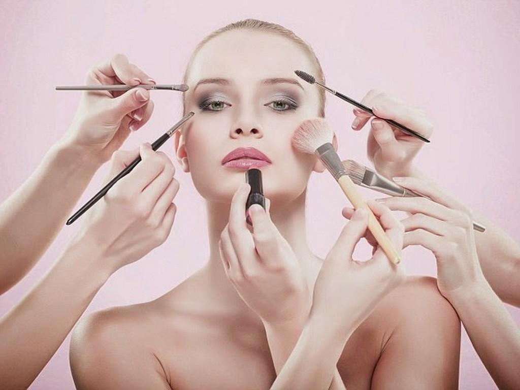 Makeup Artist makeup artist - How to Become a Celebrity Makeup Artist 5 - How to Become a Celebrity Makeup Artist?