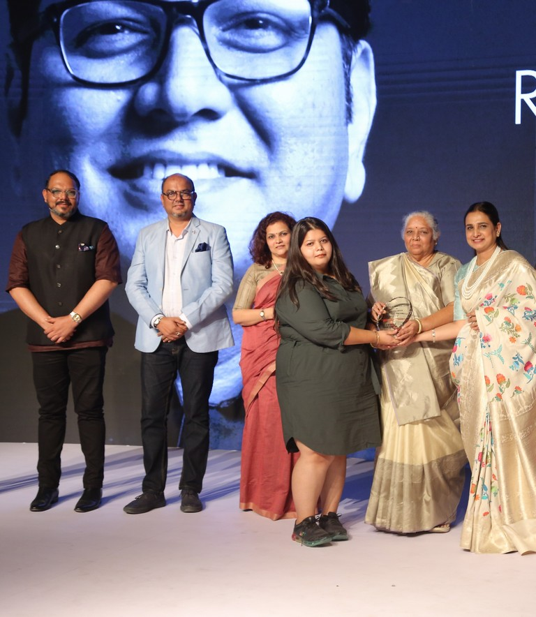 JD INSTITUTE  jd institute - image 2 - ANNUAL RC DALAL AND CHANDRAKANT DALAL MEMORIAL AWARD PRESENTED BY JD INSTITUTE OF FASHION TECHNOLOGY