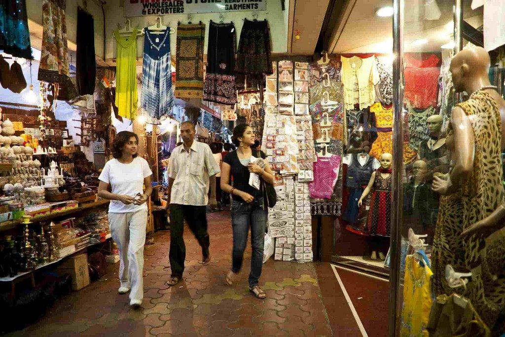 Colaba Causeway, Mumbai best places for street shopping - Best Street Shopping Experience across India5 1024x683 - Where to Go for the Best Street Shopping Experienceacross India