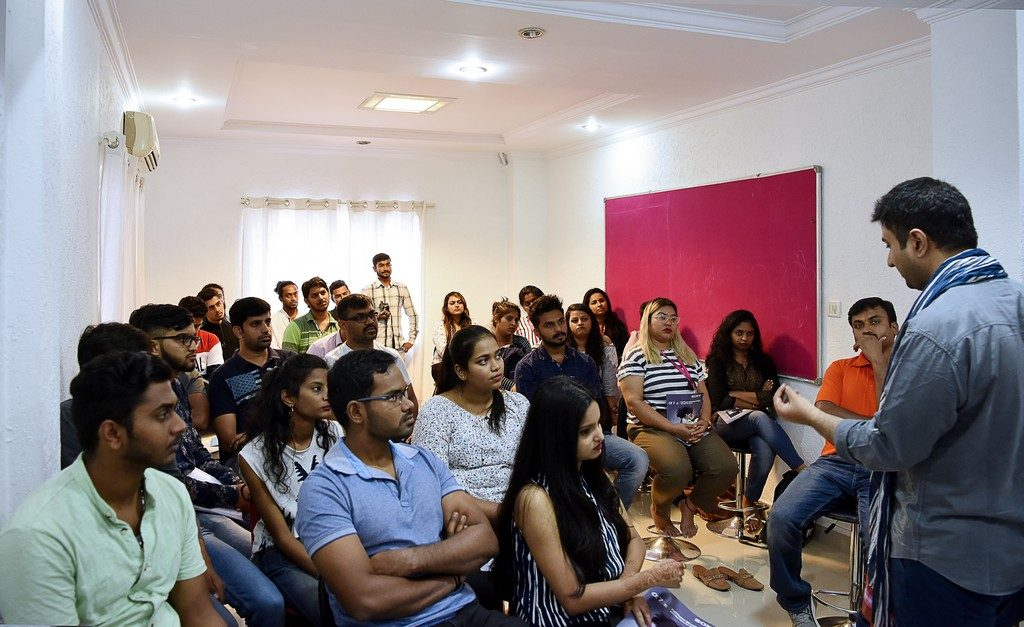 Workshop with Sameer Ashraf   Department of Photography and Fashion Communication fashion communication - Workshop with Sameer Ashraf 1 1024x627 - Workshop with Sameer Ashraf   Department of Photography and Fashion Communication