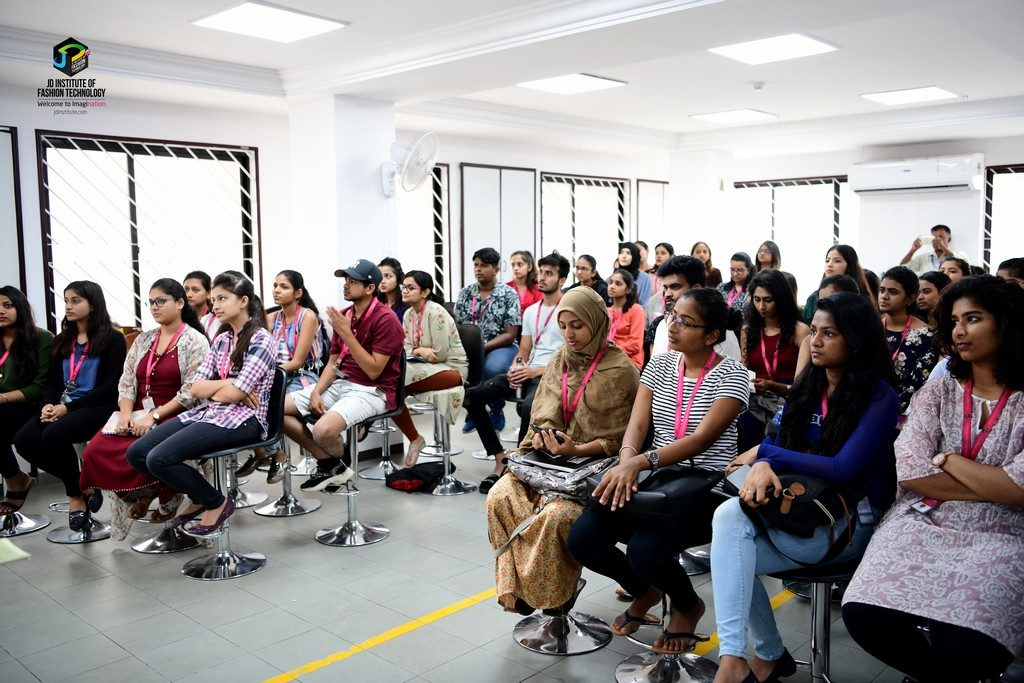 central silk board - KNOWLEDGE SESSION BY CENTRAL SILK BOARD ON THE QUEEN OF TEXTILES 1 1024x683 - KNOWLEDGE SESSION BY CENTRAL SILK BOARD ON THE QUEEN OF TEXTILES