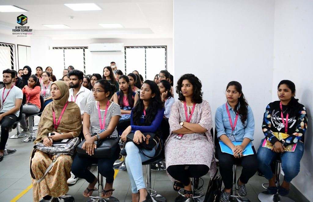 central silk board - KNOWLEDGE SESSION BY CENTRAL SILK BOARD ON THE QUEEN OF TEXTILES 3 1024x662 - KNOWLEDGE SESSION BY CENTRAL SILK BOARD ON THE QUEEN OF TEXTILES