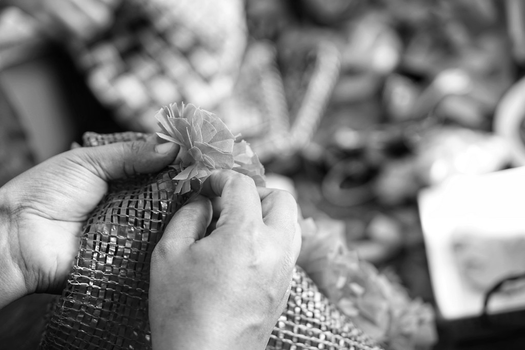 creating textural sculptures – a fashion perspective - 1 7 - CREATING TEXTURAL SCULPTURES – A FASHION PERSPECTIVE