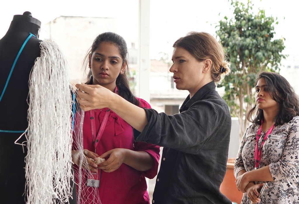 JD INSTITUTE, BANGALORE STUDENTS TUTORED BY AN INTERNATIONAL DESIGNER jd institute - JD INSTITUTE BANGALORE STUDENTS TUTORED BY AN INTERNATIONAL DESIGNER 2 - JD INSTITUTE, BANGALORE STUDENTS TUTORED BY AN INTERNATIONAL DESIGNER