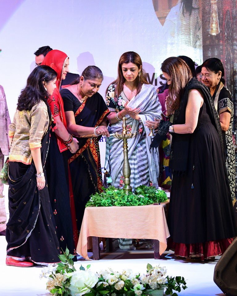 khadi - STUDENTS OF JD INSTITUTE OF FASHION TECHNOLOGY GOA CREATE KHADI DREAMS 3 - STUDENTS OF JD INSTITUTE OF FASHION TECHNOLOGY, GOA CREATE KHADI DREAMS