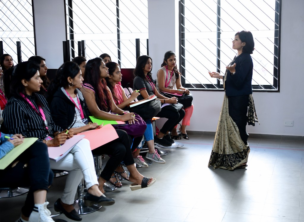 zivame - ZIVAME 6 - ZIVAME CONDUCTS A SESSION AT JD INSTITUTE OF FASHION TECHNOLOGY, BANGALORE
