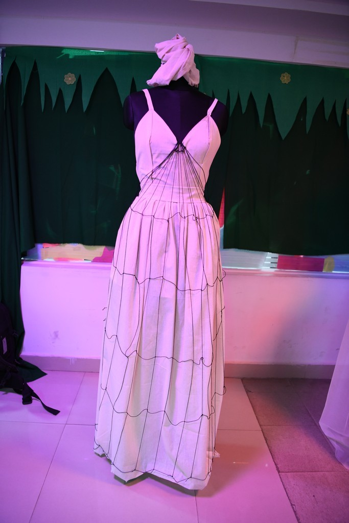 draping - A PLAY OF NATURE AND ZERO WASTE IN DRAPING 3 - A PLAY OF NATURE AND ZERO WASTE IN DRAPING