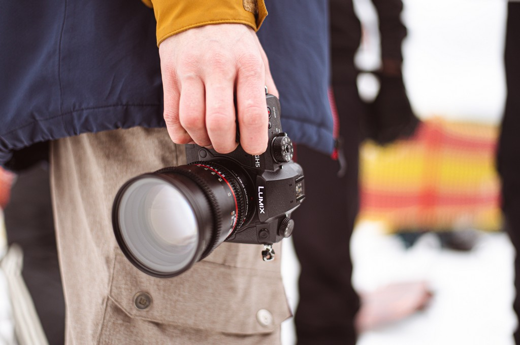 Do you want to learn about fashion communication? Read it all here! fashion communication - person holding black dslr camera 3676290 - Do you want to learn about fashion communication? Read it all here!