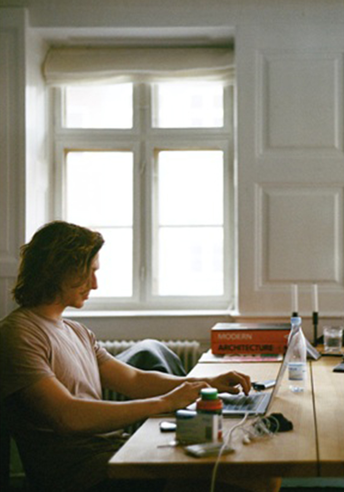 work-from-home - 6 WAYS TO CONVERT YOUR HOME INTO A WORK FROM HOME SANCTUARY - 6 WAYS TO CONVERT YOUR HOME INTO A WORK-FROM-HOME SANCTUARY