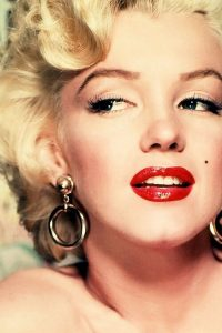 lipstick - marilyn monroe red lipstick2 200x300 - Evolution of Lipstick