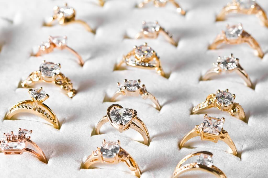 5 Jewelry Trends 2021 We Are Thrilled About! jewellery trends 2021 - Engagement Rings - 5 Jewellery Trends 2021 We Are Thrilled About!