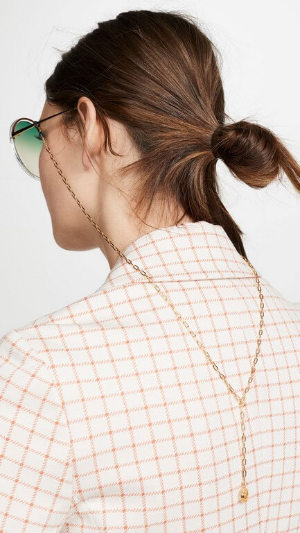 5 Jewellery Trends 2021 We Are Thrilled About! jewellery trends 2021 - Eyeglass chain 1 - 5 Jewellery Trends 2021 We Are Thrilled About!