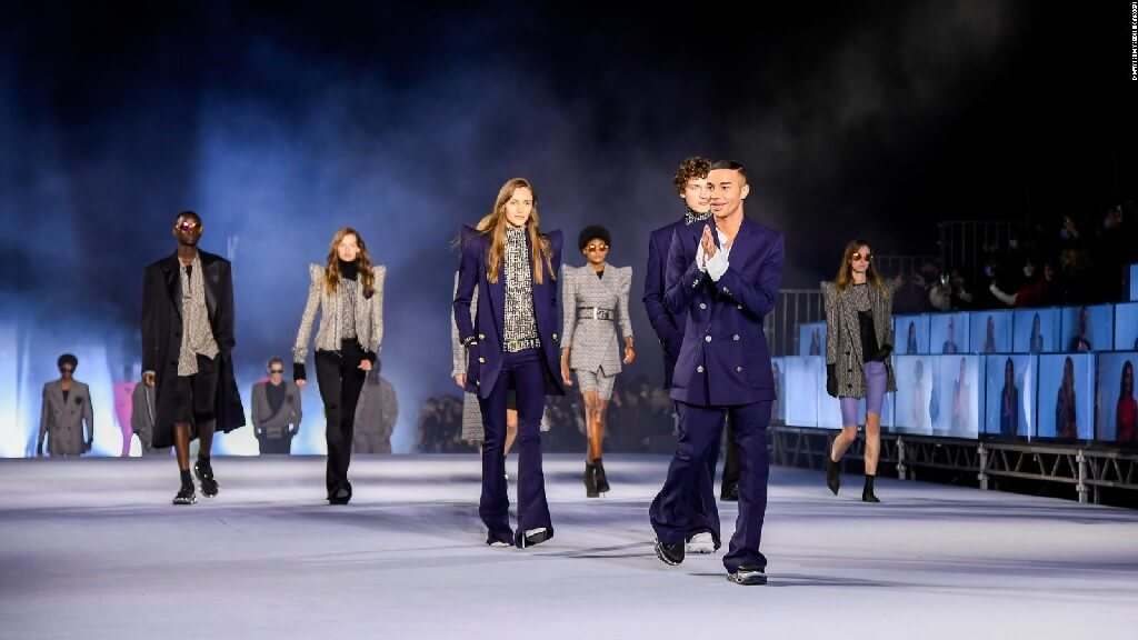 Live streaming fashion industry - Live streaming - FASHION INDUSTRY AND THE WAY FORWARD IN 2021