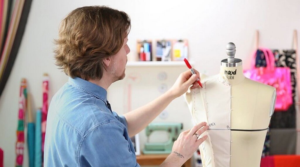 Draping – Why is it important for every fashion student draping - Marking the dress form - Draping – Why is it important for every fashion student?