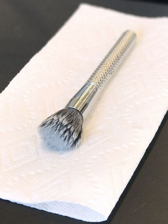 MAKEUP BRUSHES: How and Why you should keep them clean? makeup brushes - Brush washing step 5 - MAKEUP BRUSHES: How and Why you should keep them clean?