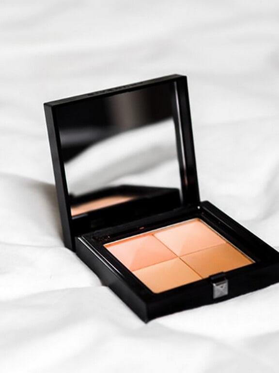 Makeup Application Using Hands? makeup application - Concealer - Makeup Application Using Hands?