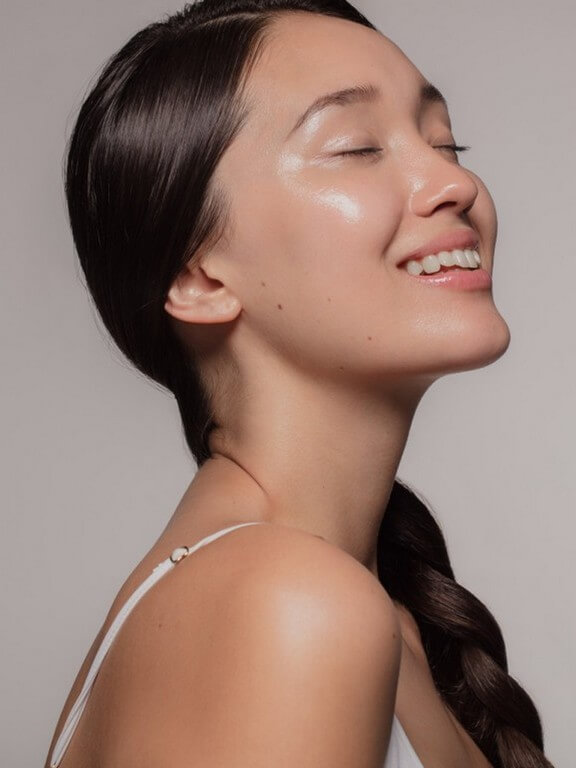 Glass Skin 2 makeup trends - Glass Skin 2 - MAKEUP TRENDS OF 2021: LESS IS MORE!