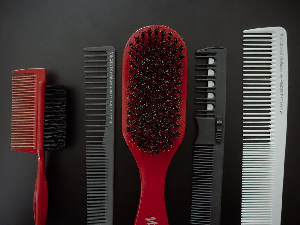 Hair Brush and Combs hair tools - Hair Brush and Combs  - Hair Tools: How to keep them clean through guided steps and Why?