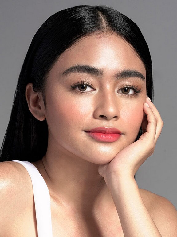 Lip and cheek Tint 1 makeup trends - Lip and cheek Tint 1  - MAKEUP TRENDS OF 2021: LESS IS MORE!