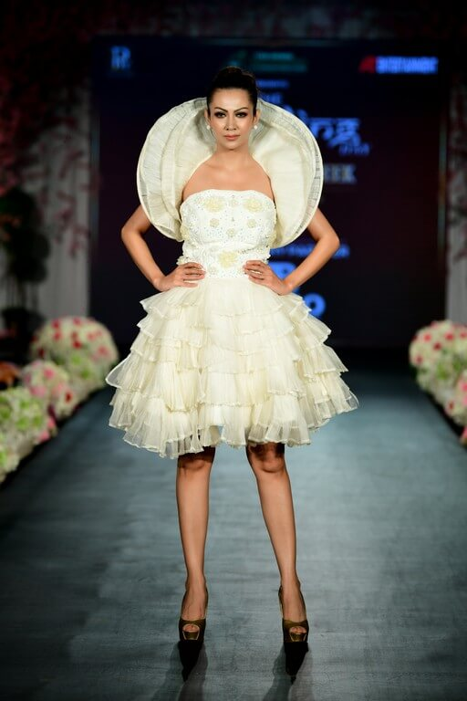 the wedding day - The Wedding Day by Fall Fashion Week witnessed alumni of JD Institute 19 - The Wedding Day by Fall Fashion Week witnessed alumni of JD Institute