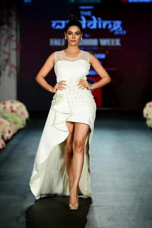 the wedding day - The Wedding Day by Fall Fashion Week witnessed alumni of JD Institute 22 - The Wedding Day by Fall Fashion Week witnessed alumni of JD Institute