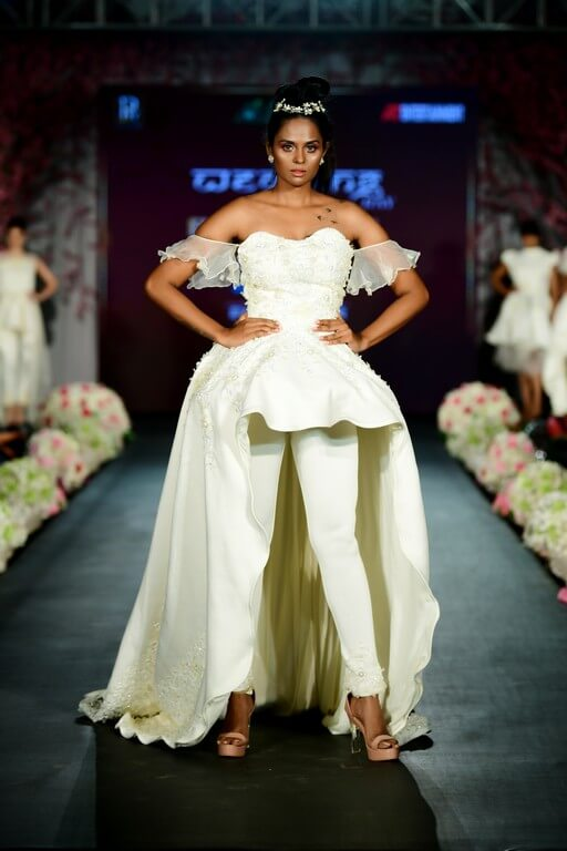 the wedding day - The Wedding Day by Fall Fashion Week witnessed alumni of JD Institute 27 - The Wedding Day by Fall Fashion Week witnessed alumni of JD Institute