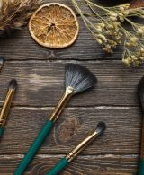 MAKEUP BRUSHES: How and Why you should keep them clean?