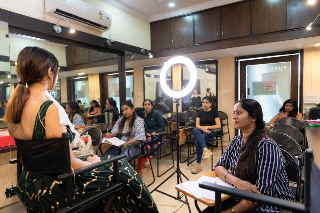 Muslim Bridal Look Lecture by guest Faculty – Ms. Naina Singh  muslim bridal look - class demo - Muslim Bridal Look Workshop by guest Faculty – Ms. Naina Singh