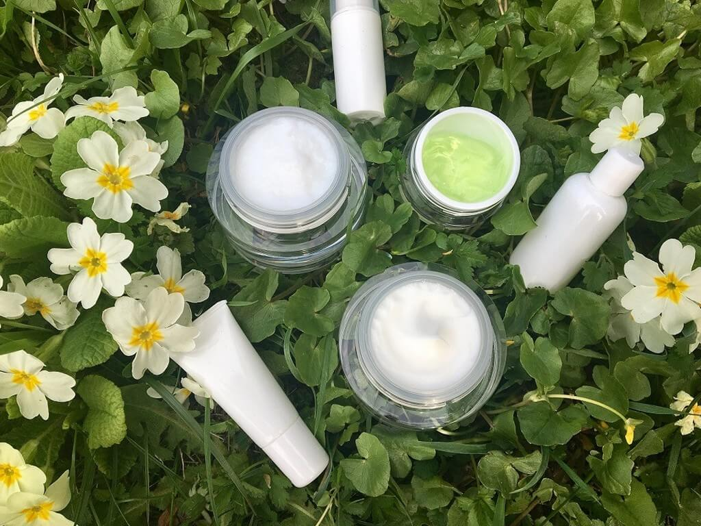 The Beauty Industry: 5 ways they are becoming eco-friendly the beauty industry - Adopting to organic and sustainable movement - The Beauty Industry: 5 ways they are becoming eco-friendly