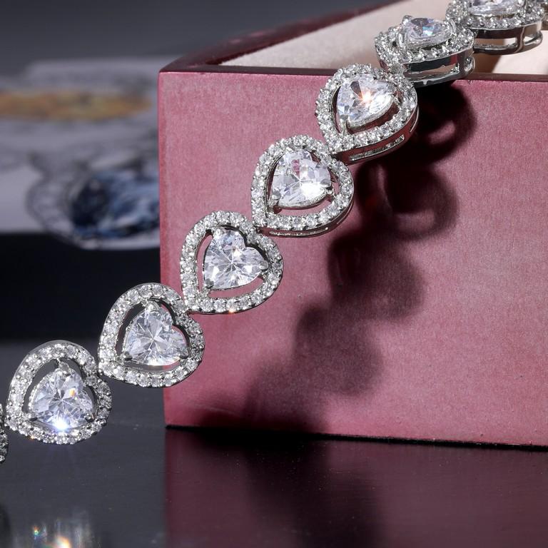 The 4Cs of Diamonds – Identifying Quality 4cs of diamonds - Diamond bracelet - The 4Cs of Diamonds – Identifying Quality