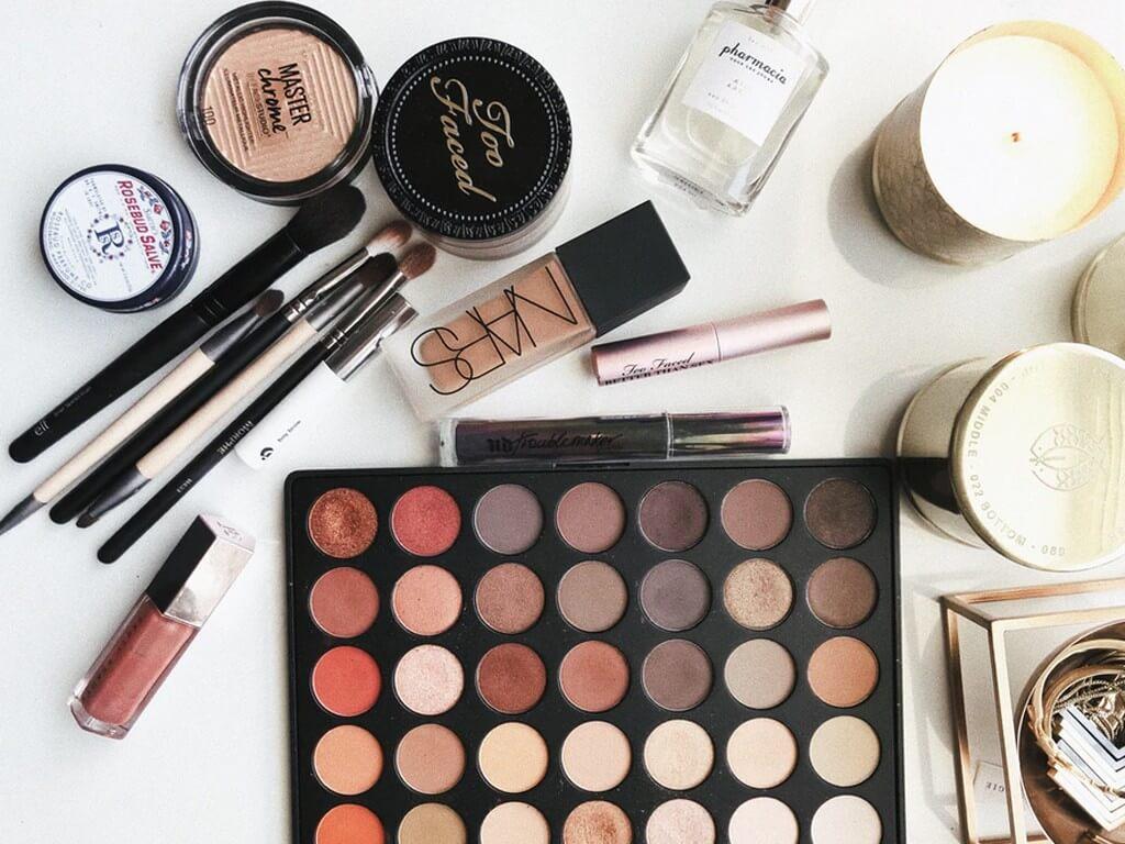 MAKEUP: WHEN SHOULD I TOSS THEM OUT? MakeUp makeup - Do makeup products have an expiry date - MAKEUP: WHEN SHOULD I TOSS THEM OUT?