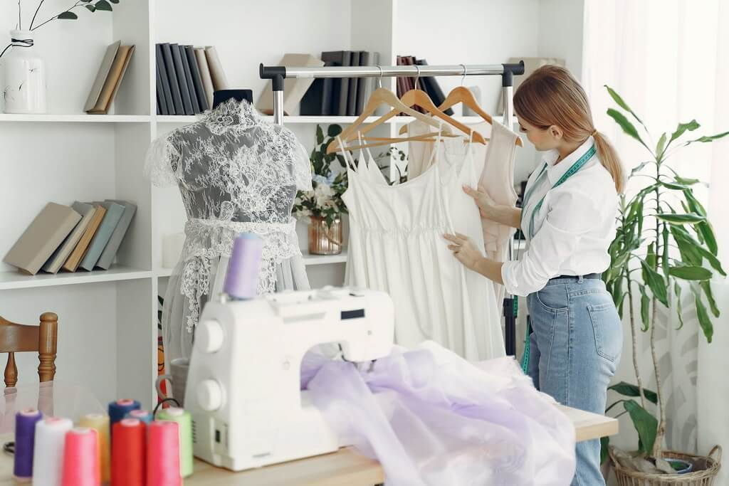 Skills needed for a fashion designer skills needed for a fashion designer - Fashion Designer 3 - Skills needed for a fashion designer