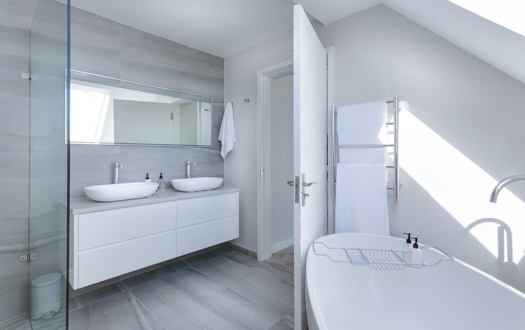 bathroom suite - How to pick the perfect bathroom suite 1 - How to pick the perfect bathroom suite?