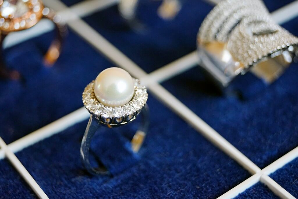 Jewellery can be protected from being tarnished jewellery - Jewellery can be protected from being tarnished 3 - Jewellery can be protected from being tarnished