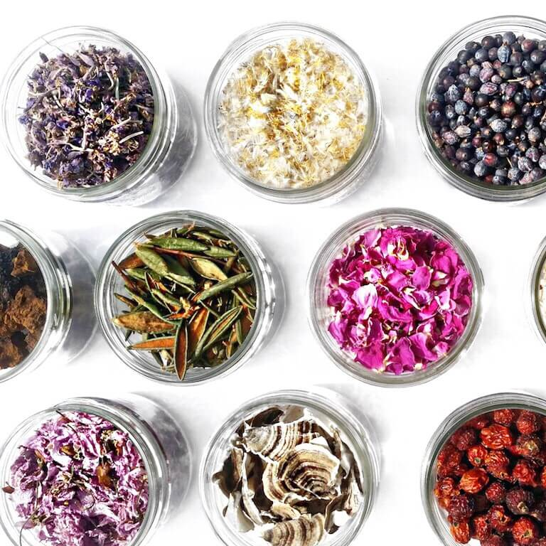 ORGANIC AND NATURAL BEAUTY PRODUCTS: THE DIFFERENCE? organic and natural - Natural Products Grid 1  - ORGANIC ANDNATURAL BEAUTY PRODUCTS: THE DIFFERENCE?