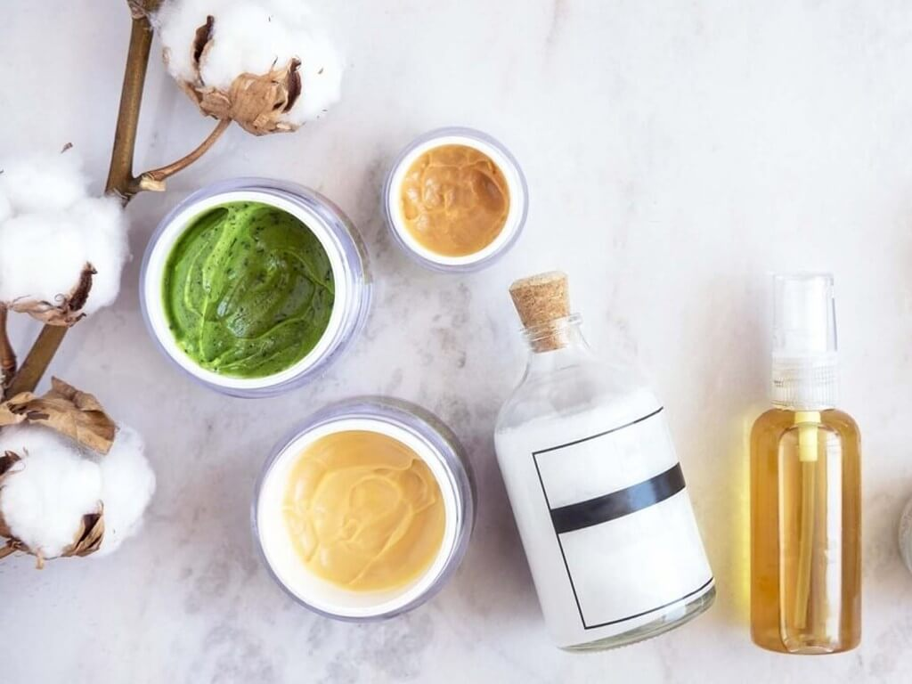 ORGANIC AND NATURAL BEAUTY PRODUCTS: THE DIFFERENCE? organic and natural - Organic Products 2 - ORGANIC ANDNATURAL BEAUTY PRODUCTS: THE DIFFERENCE?